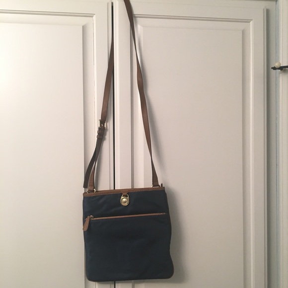 4763077bc25f88 Michael Kors Bags | Kempton Large Pocket Crossbody | Poshmark
